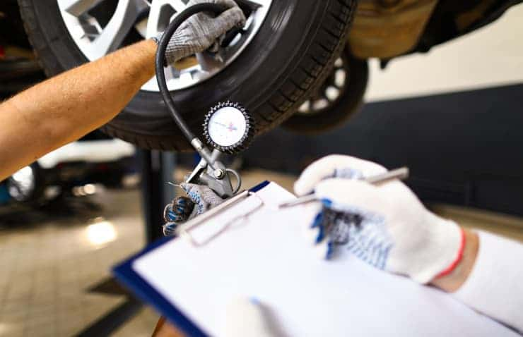 presión neumáticos coche taller