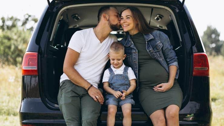 familia coche seguridad al volante